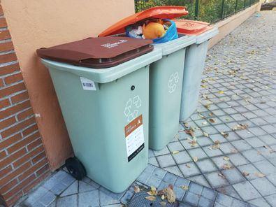 Los residuos de personas infectadas deben depositarse en el cubo naranja.