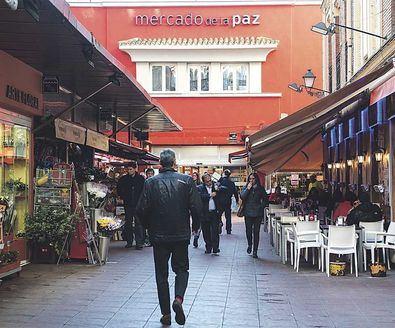 En Mercamadrid se abastecen a diario los mercados municipales, comercios especializados, supermercados y otros canales de distribución y cada día, seleccionan 'el mejor producto fresco'.