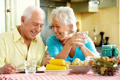 Los mayores de Retiro y familias vulnerables siguen recibiendo atención.