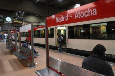 Durante el mes de septiembre está previsto que la frecuencia de trenes de Cercanías se incremente, lo que en el caso de Cercanías Madrid se traducirá entre un 12% y un 15% más de trenes.