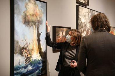 La delegada de Cultura, Turismo y Deporte, Andrea Levy, ha visitado esta exposición que estará abierta de forma gratuita en el Museo de Historia desde hoy hasta el 10 de enero.