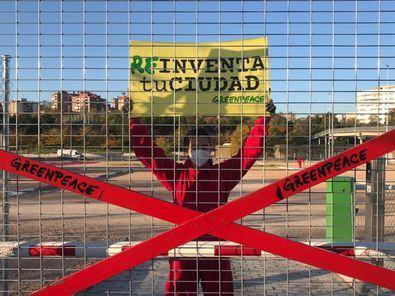 Estas actividades se han replicado también en otros lugares del mundo como parte de una campaña internacional de Greenpeace que, bajo el lema '#REinventa_TuCiudad', propone un nuevo modelo de ciudad que lidere la lucha contra la emergencia climática.
