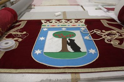 El Área de Cultura, Turismo y Deporte encargó el trabajo de conservación y recuperación a la Real Fábrica de Tapices tras comprobar la degradación que sufría el repostero.