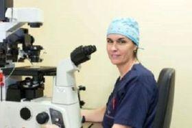 En la imagen superior, la Dra. Yolanda Cabello, directora científica de la Unidad de Reproducción del complejo hospitalario Ruber Juan Bravo.