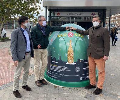 La iniciativa, que se desarrollará entre el 1 y el 15 de diciembre, anima a depositar la mayor cantidad posible de residuos de envases de vidrio en los contenedores habilitados con la imagen de campaña.
