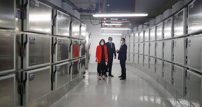 El nuevo Instituto de Medicina Legal (IML) de Valdebebas tiene capacidad para albergar 225 cadáveres y podrá duplicarse a través del parking, en el caso de catástrofes o emergencias.