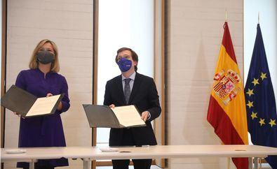 El convenio firmado las obras que ambas administraciones están ejecutando en el entorno de la cornisa monumental de Madrid y la gestión futura de los límites y accesos entre el Palacio Real, el Museo de las Colecciones Reales y los jardines del Campo del Moro.
