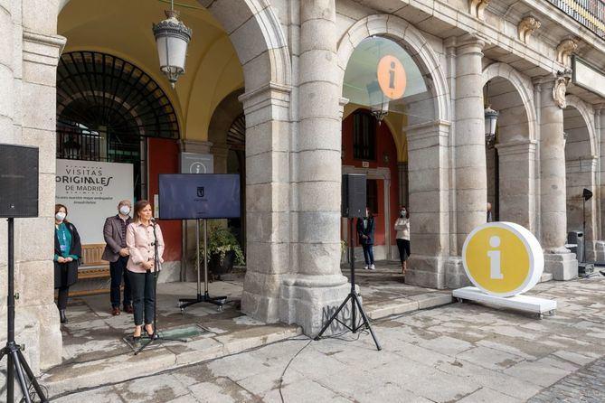 El Ayuntamiento de Madrid lanza la primera edición del Programa de Visitas Originales de Madrid. La concejala delegada de Turismo, Almudena Maíllo, ha presentado esta iniciativa que ofrecerá cada semana 25 rutas temáticas.