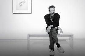 Madoz ha sido galardonado con el Premio Kodak en 1990 y el Premio Intercambio de Arte de la Fundación Cultural Banesto en 1993, y el Premio Nacional de Fotografía en 1999.