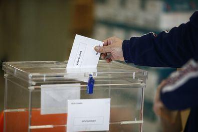Cuatro horas para votar, por ley