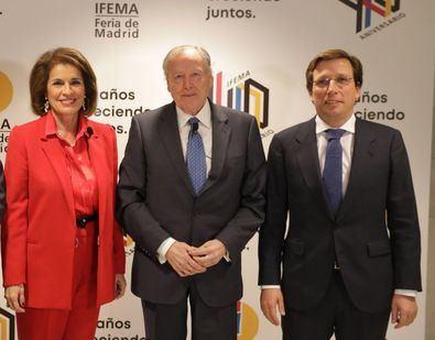 El PSOE ha votado 'no' en la votación de la medalla de honor propuesta para la exalcaldesa Ana Botella, porque no es más que 'un atropello institucional', ha alegado la portavoz socialista de Cultura, Mar Espinar.