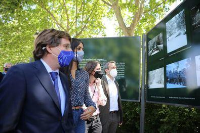 En el acto, celebrado en los jardines de Cecilio Rodríguez del parque de El Retiro, una de las zonas más afectadas por la borrasca, también han participado el concejal del distrito de Retiro, Santiago Saura, y el presidente de Madrid Futuro, Manuel Bretón.