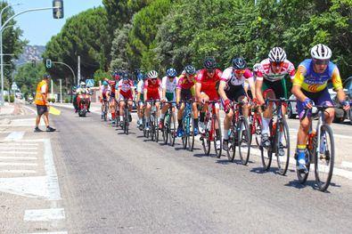 La consejera de Cultura, Turismo y Deporte del Gobierno regional, Marta Rivera de la Cruz, ha participado esta tarde en la presentación de la 33ª Vuelta Ciclista la Comunidad de Madrid sub 23, que se divide en cinco etapas que se celebran del 21 al 25 de julio.