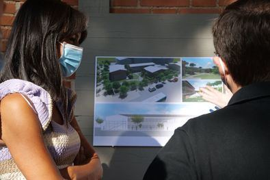 En su visita al centro, ubicado en lo que fue el antiguo colegio Conde de Santa Marta de Babío, en la calle Arcos de Jalón, 15, Villacís ha subrayado la importancia de este campus para los madrileños.