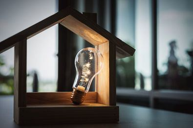 El precio medio diario de la electricidad volverá a batir otro récord este jueves y se disparará hasta los 188,18 euros el megavatio hora (MWh), lo que supone una subida del 9% en sólo 24 horas.