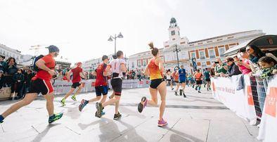 Más de 270 efectivos de Emergencias-Protección Civil darán cobertura este domingo a los corredores de la 43ª edición de la Maratón Popular de Madrid - Rock'n Roll Madrid Maratón 2021, en la que participarán 30.000 corredores de todo el mundo.