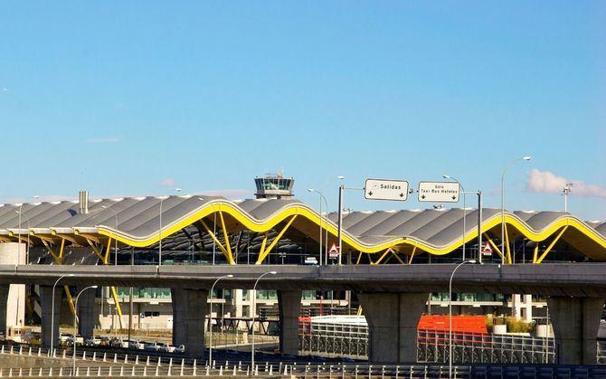 Con el proyecto de ampliación planteado para Madrid-Barajas, el principal de la red de Aena, podrá expandirse hacia rutas de Asia-Pacífico, ampliar la T4 y T4S y unificar la T1, 2 y 3 para aumentar su capacidad de pasajeros hasta los 80 millones.