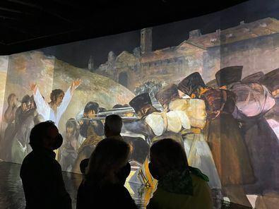 Proyectores de alta resolución mostrarán las obras del pintor con el máximo detalle y exactitud, sincronizadas con música de clásicos como Falla, Albéniz o Boccherini.