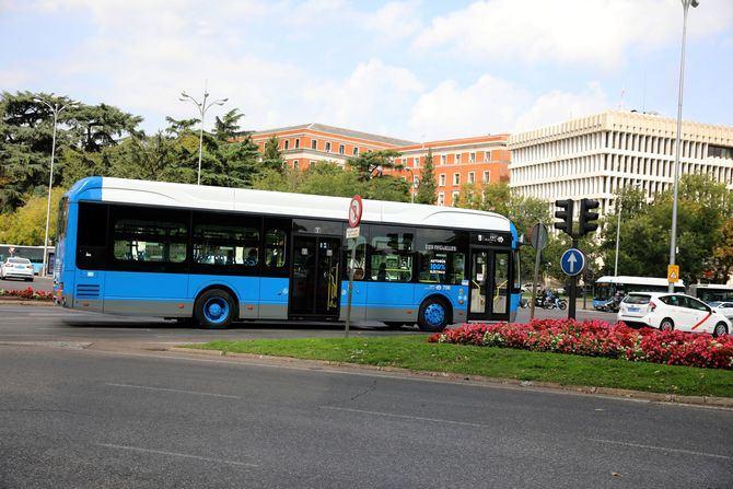 La nueva línea perimetral de la Empresa Municipal de Transportes (EMT), denominada C03, circunvala el distrito de Centro con autobuses 100 % eléctricos.