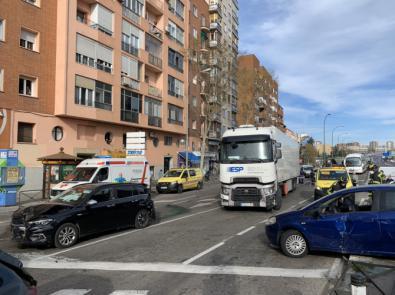 Diez heridos, arrollados por un camión