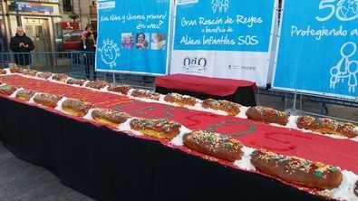 Panaderías Orio elaborará, un año más, este dulce gigante de forma altruista. 649 raciones se repartirán entre niños y familias en situación de vulnerabilidad de los Centros de Día de Aldeas Infantiles SOS en Madrid y en centros de emergencia de familias del Ayuntamiento de la capital.