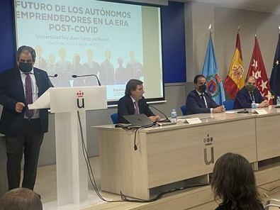 Almeida se ha comprometido a mantener las políticas municipales para que los autónomos puedan seguir realizando su trabajo.