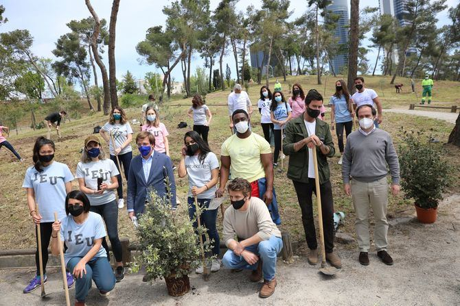 Esta primera iniciativa que Reforest Project ha desarrollado en la ciudad y que ha contado con la colaboración de IE University culminará el próximo año con la plantación de hasta 625 ejemplares.