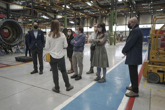 Uno de los objetivos de las nuevas instalaciones es promover una escuela de formación aeronáutica que se centrará en la formación profesional dual para jóvenes y en capacitaciones que permitan reciclar a personas desempleadas en profesiones relacionadas con la aviación.