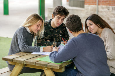 La oferta educativa de TEMS es la única en Madrid que ofrece una combinación de pedagogía Montessori en Infantil, educación británica y la posibilidad de estudiar bachillerato español o inglés.
