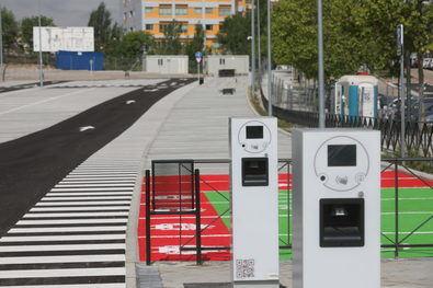 Los residentes podrán estacionar sus vehículos, de 16.00 a 8.00 h y sábados, domingos y festivos las 24 horas, por una tarifa de 12 euros al mes.