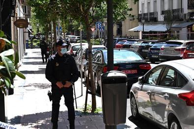 Los hechos han tenido lugar pasadas las 13.40 horas de este martes, en la joyería L'Ermitage, situada en el número 25 de la calle de Ayala.