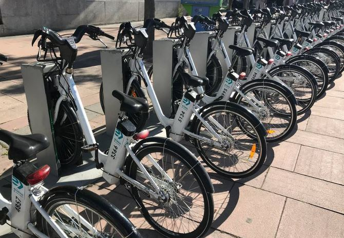 El Ayuntamiento de Madrid va a implantar progresivamente desde este verano candados de seguridad en las 3.000 bicicletas de BiciMAD.