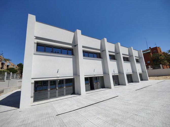 El nuevo equipamiento, para el que se ha invertido 1,7 millones de euros, cuenta con dos patios, uno exterior y otro interior, que facilitarán la ventilación cruzada.