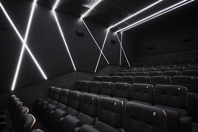 Los cines Embajadores contarán con una sala para cien espectadores y dos para cincuenta, que se estrenarán con el 50 por ciento del aforo, y proyectarán en V.O.S.E.