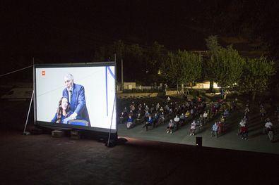 Un año más, de la mano del 22º Circuito de Cine de Verano de la Comunidad de Madrid, las pantallas llenarán las plazas y espacios públicos al aire libre de una treintena de municipios madrileños de menos de 15.000 habitantes, para proyectar más de 50 títulos de estreno reciente.