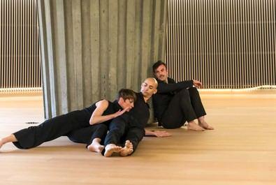 La programación de las tres salas del centro, junto a la exposición 'Carlos Saura y la Danza', y la celebración del Día Internacional de la Danza con actividades en todos los espacios del teatro, inundan de danza el Centro Cultural de la Villa durante las próximas semanas.