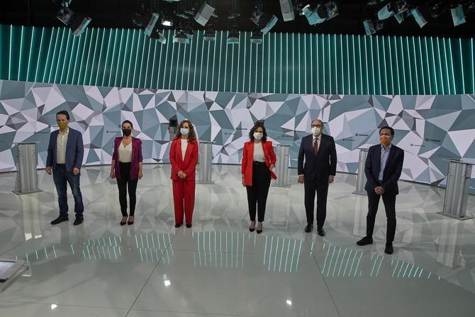 Según los datos del Centro de Investigaciones Sociológicas (CIS) sobre las lecciones autonómicas de Madrid, se abre la puerta a una mayoría de izquierdas, que podría llegar a los 73 escaños.