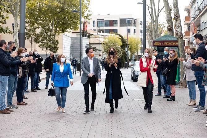 Una hoja de ruta que el candidato naranja ha descrito como política 'a pie de calle' y centrada en 'los problemas de los madrileños', huyendo de eslóganes y de 'extremismos'.