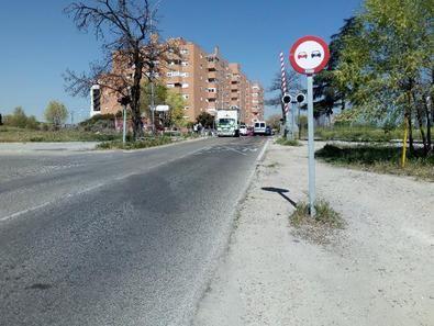 Su trazado se inicia en la intersección de la calle de la Corte del Faraón con la de Eduardo Barreiros y finaliza en la calle de Alcocer, donde se unirá con el colector Butarque I.