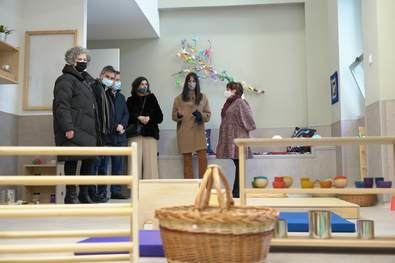 Villacís, Aniorte y Saura han visitado este centro para niños de cero a tres años que ofrece horario ampliado para facilitar al máximo la conciliación familiar.
