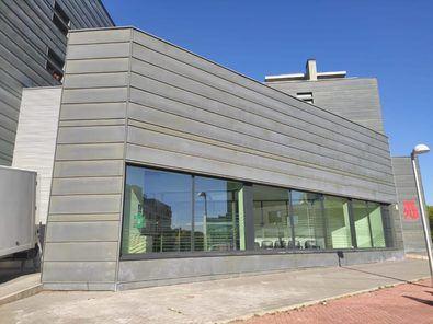 El Centro Deportivo Municipal Barajas, el Espacio de Igualdad Ana Orantes y los centros de mayores del distrito se vuelcan con un programa que reivindica la importancia del 8M, durante todo el mes.