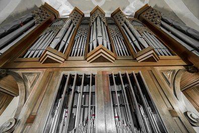 La Junta Municipal de Vicálvaro organiza el festival en su apuesta por acercar la música de órgano y dar visibilidad al patrimonio histórico-artístico del distrito.
