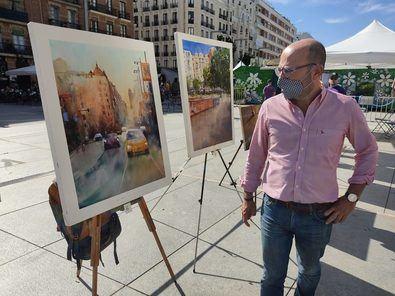 El programa de fiestas ha comenzado esta mañana con la celebración del Concurso de Pintura Rápida Fiestas del Pilar-Plaza Dalí, en el que el concejal de Salamanca ha entregado los premios a los ganadores.