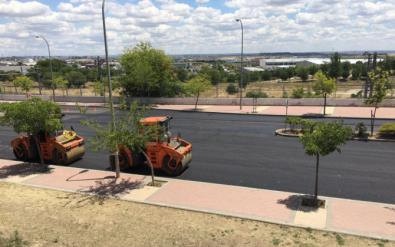 La Gran Vía del Este, peatonal los fines de semana, está siendo asfaltada.