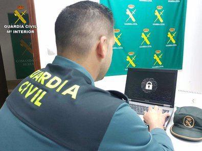 La Guardia Civil de Madrid ha elaborado un decálogo para realizar compras digitales seguras durante las fiestas.