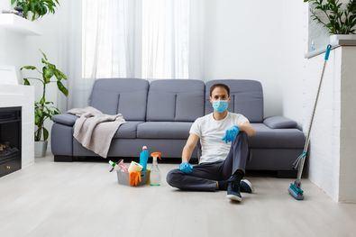La Organización Mundial de la Salud recomienda el uso de productos de hipoclorito de sodio, lejía, para la desinfección de superficies que se tocan con frecuencia en los hogares como manera de prevención de la propagación del coronavirus.