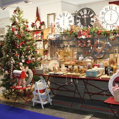La celebración conjunta de estas convocatorias pone al alcance de los profesionales uno de los mayores eventos europeos dedicados a los sectores de decoración y regalo; bisutería y complementos de moda, y joyería y relojería, orientadas a las campañas de Navidad y Reyes.