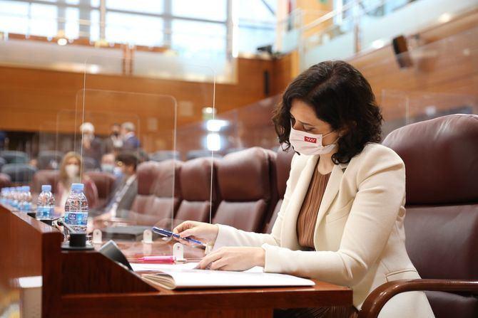El Pleno de investidura comenzará este jueves a las 12.00 horas y Ayuso expondrá sin límite de tiempo su programa político, tras lo que la presidenta de la Asamblea, Eugenia Carballedo, suspenderá la sesión.