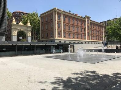 Retiro, con 120.000 habitantes, es uno de los seis distritos de la ciudad que no tiene piscina de verano. Se trata de Retiro, Tetuán, Chamartín, Salamanca, Centro y Barajas.