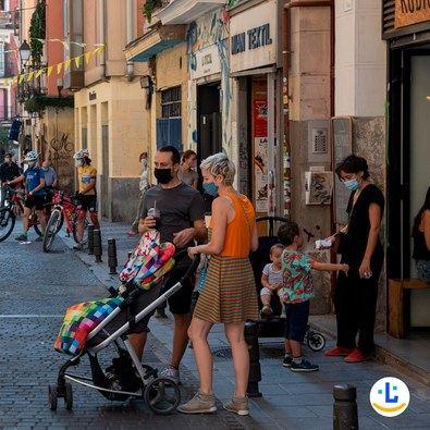 Se ofrecerán 40.000 rascas con premio de 15 euros en movilidad multimodal, 20 de los cuales tienen un premio de 100 euros. Se podrán encontrar en bares, comercios, tiendas de muebles, moda, complementos, farmacia o librerías.